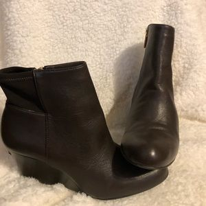 MICHAEL KORS BOOTS SIZE 7 IN GREAT SHAPE